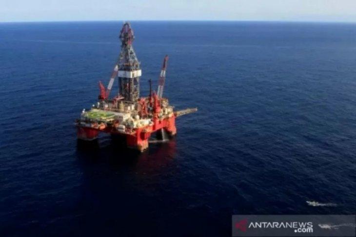 Harga minyak melonjak, memperpanjang keuntungan besar sesi sebelumnya