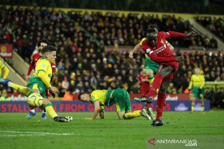 Liverpool makin mantap di puncak klasemen setelah bekuk Norwich City