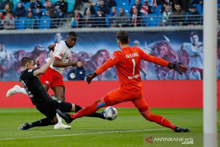 Leipzig rebut posisi puncak, Leverkusen sodok empat besar Liga Jerman