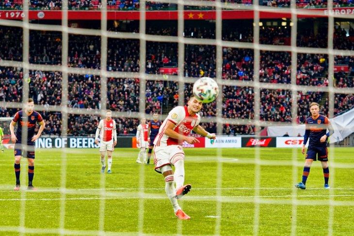 Liga Belanda, Ajax lumat tim juru kunci RKC Waalwijk 3-0
