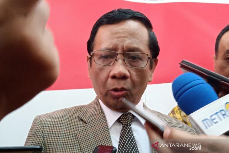 Mahfud MD terima dokumen daftar tahanan politik di Papua dari BEM UI