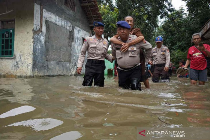 Cirebon floods inundate over two thousand homes