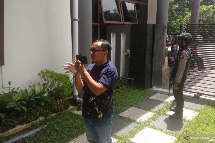 Penyidik KPK geledah ruangan ketua dan sekretaris DPRD Tulungagung