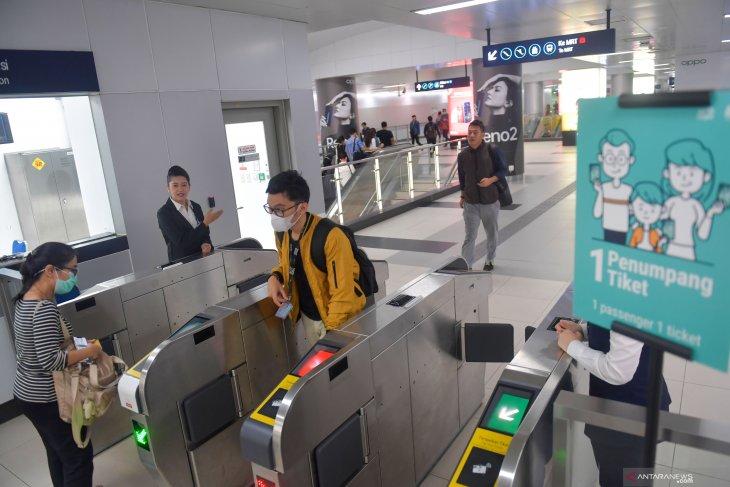 Pembangunan MRT Fase 2A hingga penghargaan kru Batik Air
