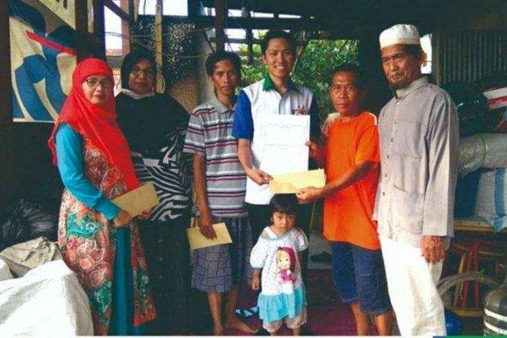Unit Zakat Bank Kalsel peduli korban kebakaran