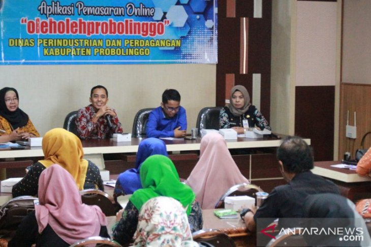 Pemkab Probolinggo dorong IKM manfaatkan aplikasi pemasaran daring