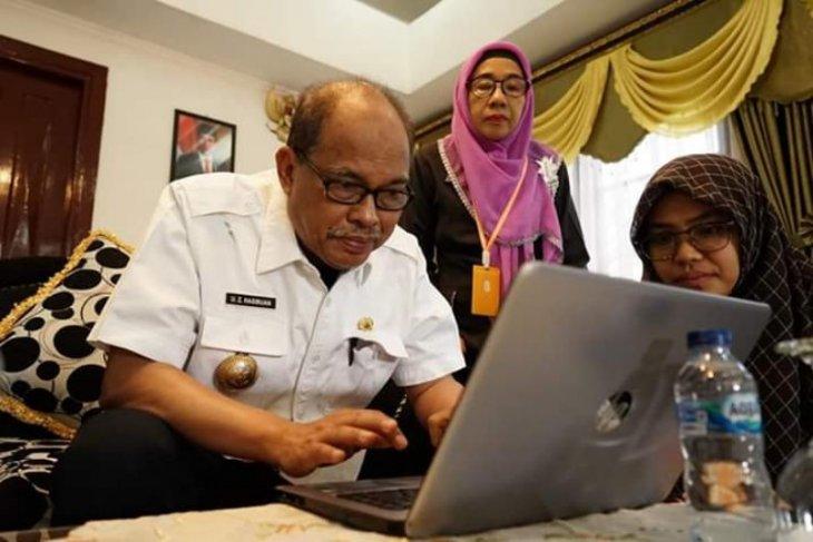 Wali Kota Tebing Tinggi isi formulir SP 2020 secara online