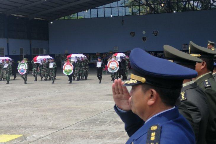 Panglima TNI dan Kapolri hadiri pelepasan jenazah empat prajurit TNI AD korban Helikopter Mi-17