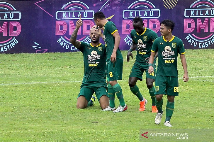 Aji Santoso puas Persebaya singkirkan Arema FC