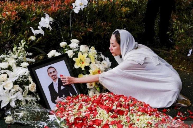 Mengenang Ashraf Sinclair cinta sejati Bunga Citra Lestari