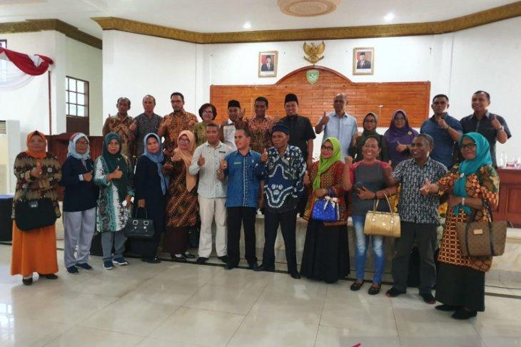 DPRD Maluku  50 persen dana BOS untuk guru honor masih kurang