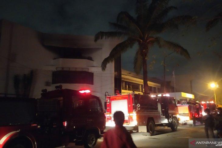 Fakultas Ekonomi dan Bisnis USU terbakar, diduga dari kantin