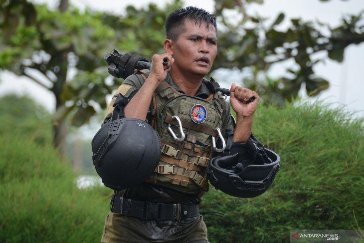 Lomba cross country prajurit Taifib Marinir