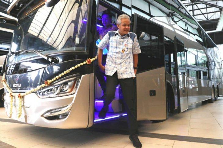 Ganjar lepas 10 bus tingkat ke Bangladesh