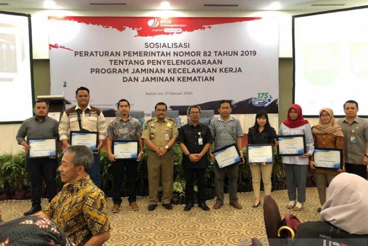 Adaro terima penghargaan dari BPJS Ketenagakerjaan