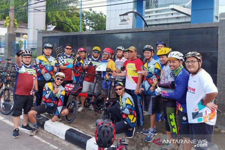 Komunitas S2C hadiahkan sepeda bagi