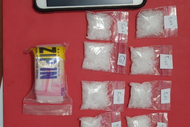 Bawa sabu seberat 488 gram, seorang oknum polisi ditangkap