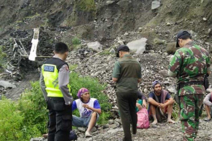 Dua penambang di Merapi tewas tertimbun longsor