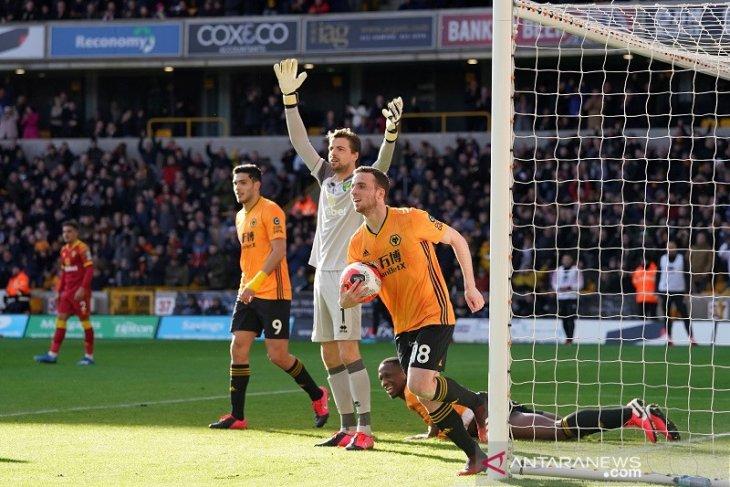 Wolverhampton benamkan Norwich 3-0 di Liga Inggris