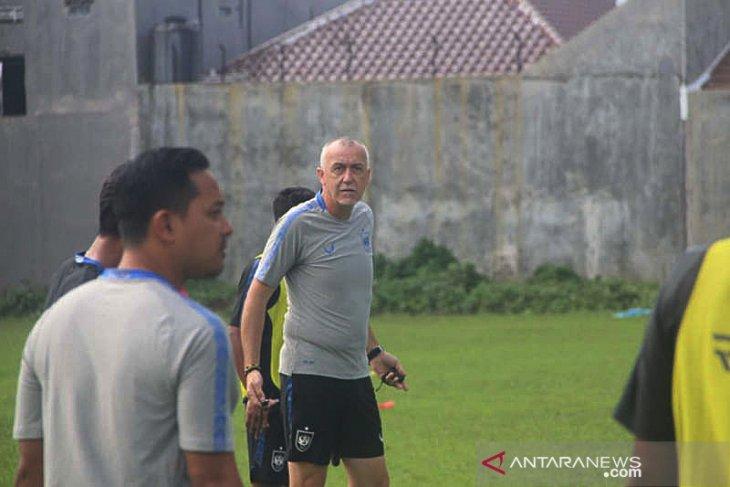 Meski kompetisi ditunda, PSIS Semarang tetap gelar latihan