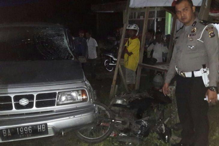Ayah dan anak tewas dalam kecelakaan beruntun