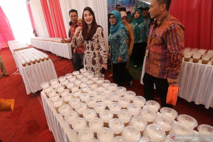 Arumi Bachsin minta masyarakat tingkatkan konsumsi makan ikan