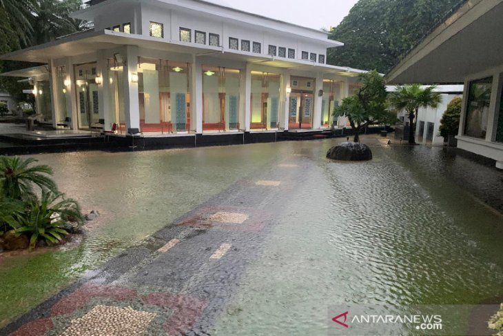 Kawasan Istana Kepresidenan sempat alami banjir