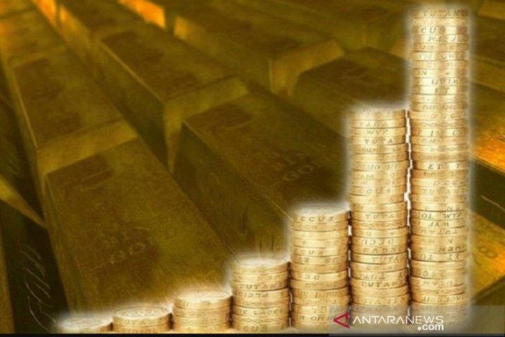 Emas menguat didorong pelemahan dolar