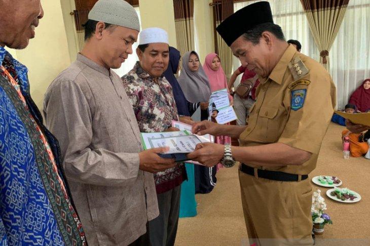 Pemkab Bangka Tengah berikan insentif kepada 230 guru TPA