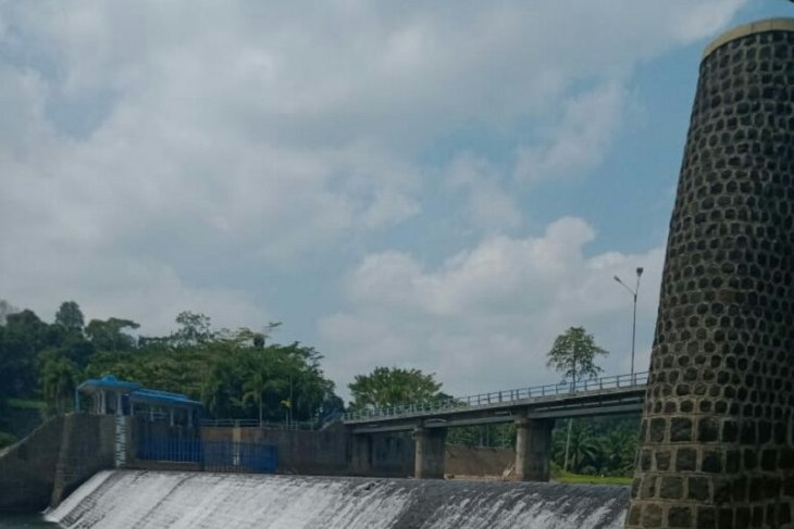 Mukomuko rehabilitasi saluran irigasi yang rusak