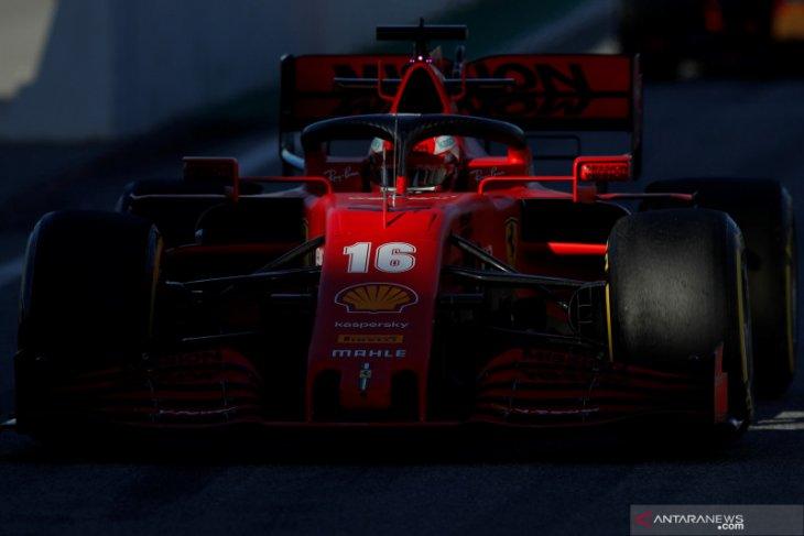 Ferrari dan Vettel tercepat, Mercedes mogok di hari ke-5 tes Barcelona