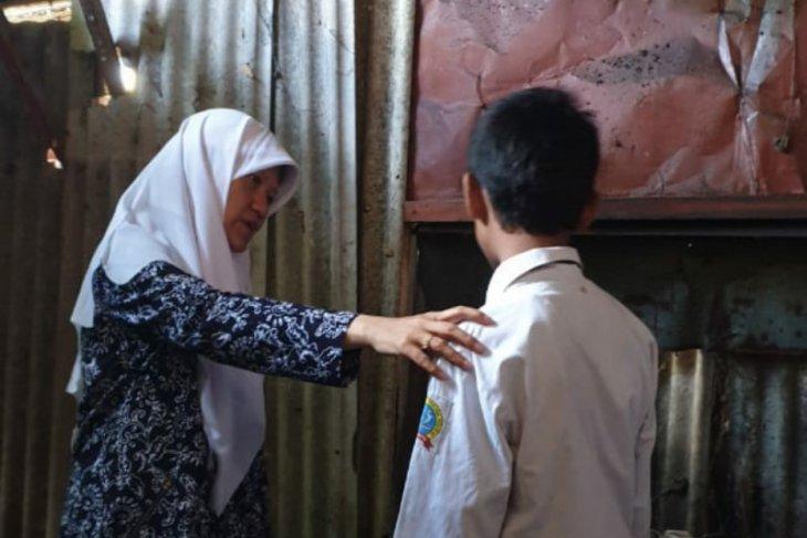 Pemkot Surabaya diminta perhatikan nasib