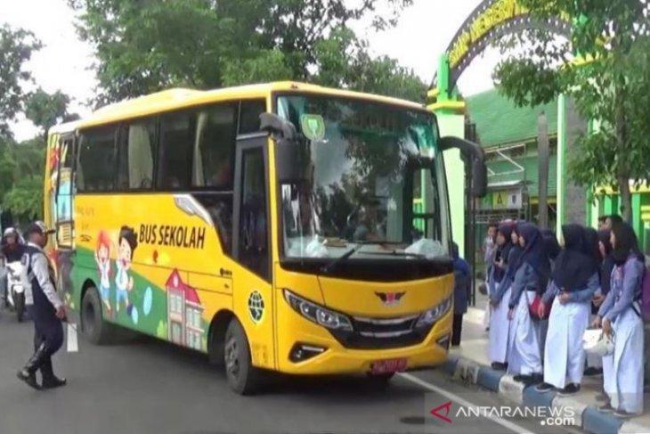 Pemkot Madiun tambah fungsi armada sekolah gratis jadi bus wisata