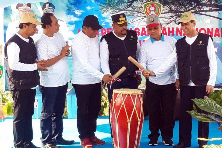 Gubernur Maluku ajak ASN perangi sampah plastik