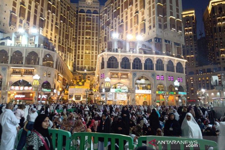 Arab Saudi stop sementara umrah