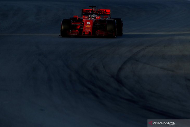 Formula 1, Vettel dan Ferrari tercepat, Mercedes mogok di hari ke-5 tes Barcelona
