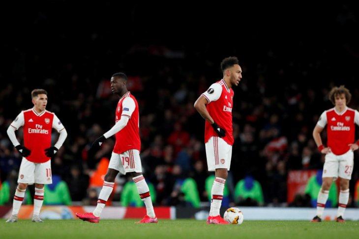Pemain Arsenal diizinkan pakai lapangan latihan