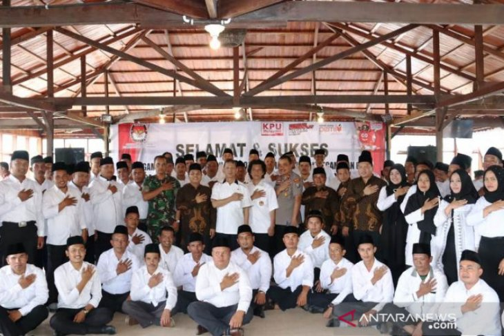 KPU Tapsel lantik 75 anggota PPK Pilkada 2020