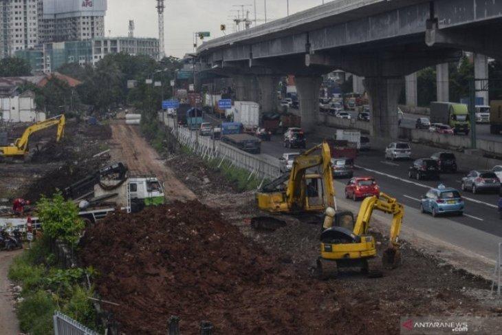 Gara-gara tol Jakarta-Cikampek banjir, proyek kereta cepat dihentikan sementara