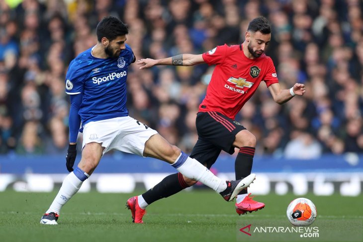 VAR selamatkan MU dari kekalahan di markas Everton
