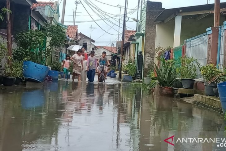 Total kerugian banjir di Karawang masih dihitung