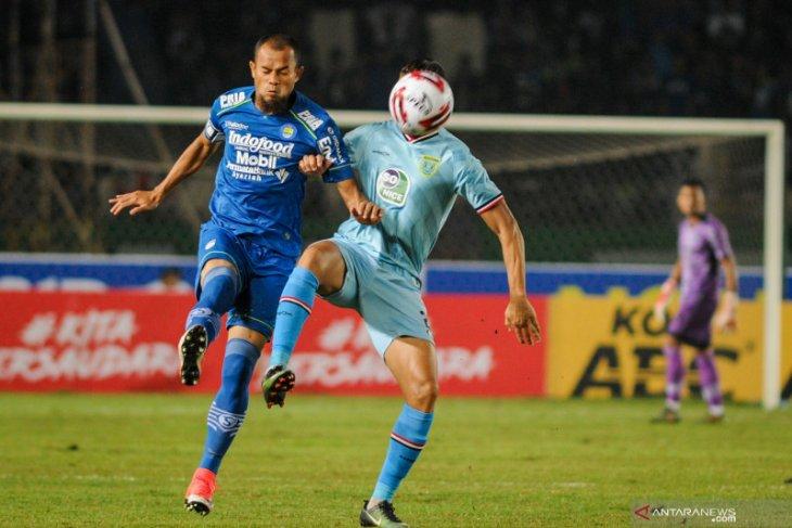 Persib Bandung ungguli Persela Lamongan 3-0 berkat dua penyerang anyar mereka