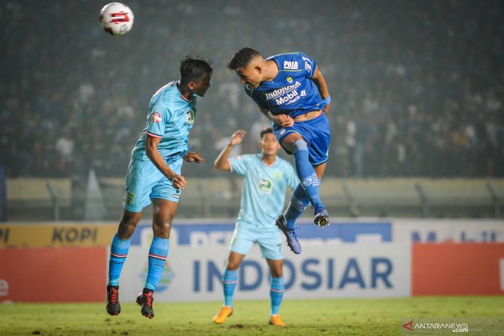 Pelatih Persela Iwan Setiawan tak targetkan Persela menang atas Persija