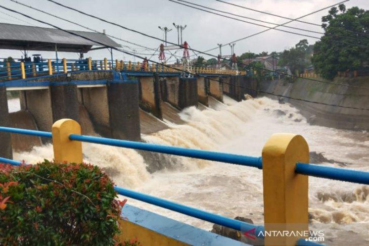 Tinggi muka air Bendung Katulampa Bogor  normal pada Senin pagi
