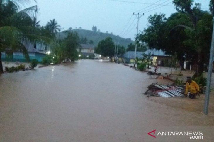 Ratusan rumah terendam banjir di Gorontalo