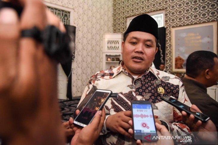 Masyarakat Puwakarta diimbau tidak panik ancaman virus corona