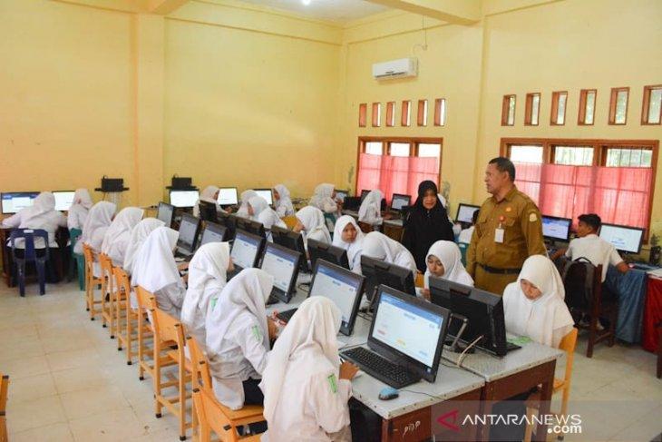 4.368 siswa SMP se-Aceh Timur ikut simulasi UNBK