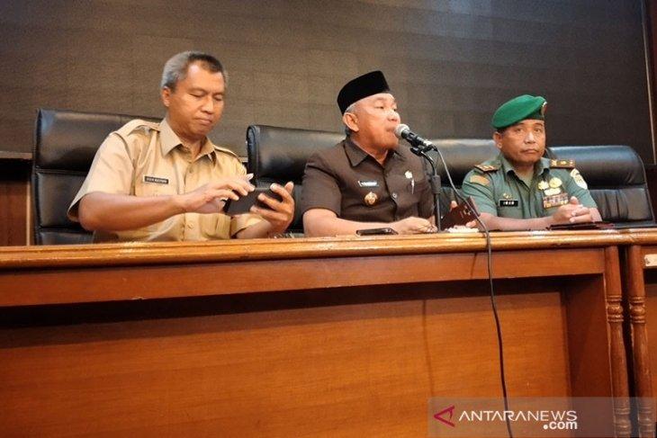 Cegah COVId-19, Pemkot Depok sementara melarang kegiatan keagamaan berjamaah