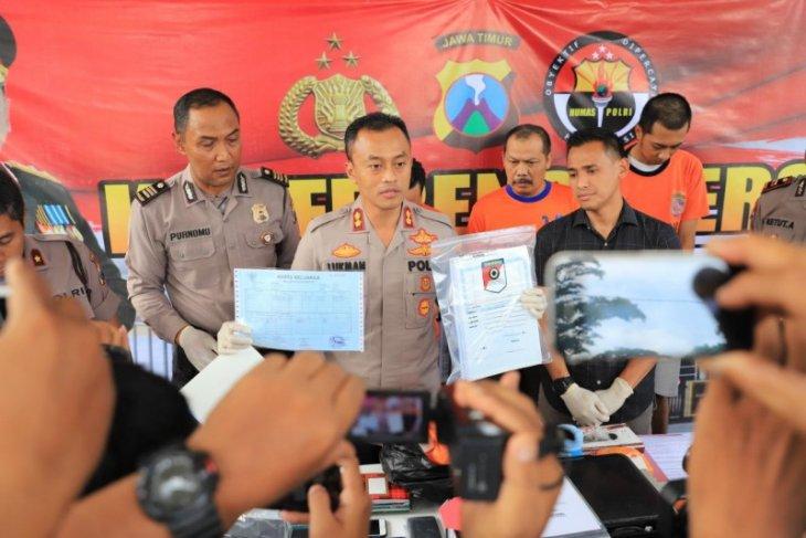 Pemalsuan dokumen untuk penerbitan paspor diungkap polisi Kediri