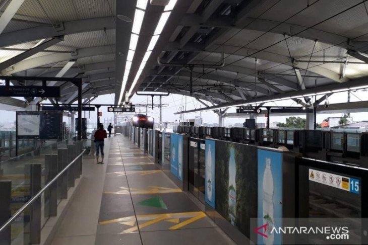 MRT Jakarta mulai periksa suhu penumpang di Stasiun